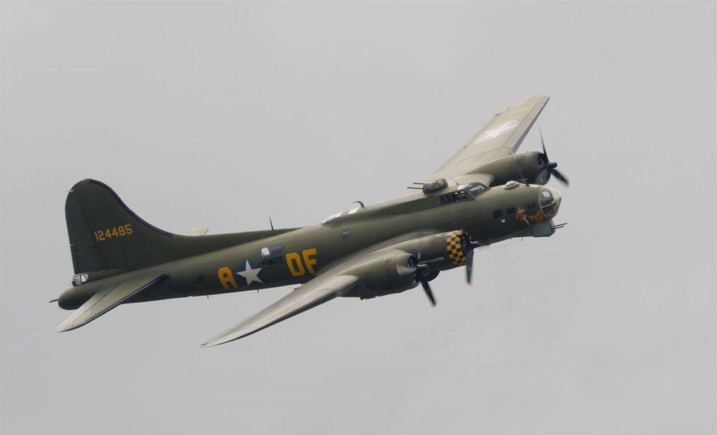 """B-17 """"Sally B"""""""